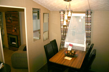 Willerby Winchester Mk 4 Dining room