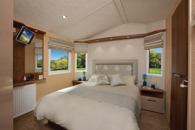 Willerby Aspen Scenic master bedroom