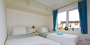 Tingdene Beachcomber lodge - Twin bedroom
