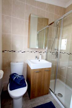 Homeseeker Navigator En suite Shower room