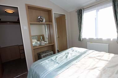 Willerby Pinehurst Lodge Master Bedroom