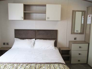 Carnaby Oakdale Double bedroom