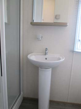 Carnaby Oakdale Shower Room