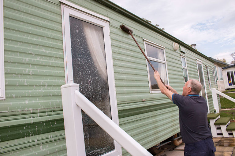 cleaning holiday caravan