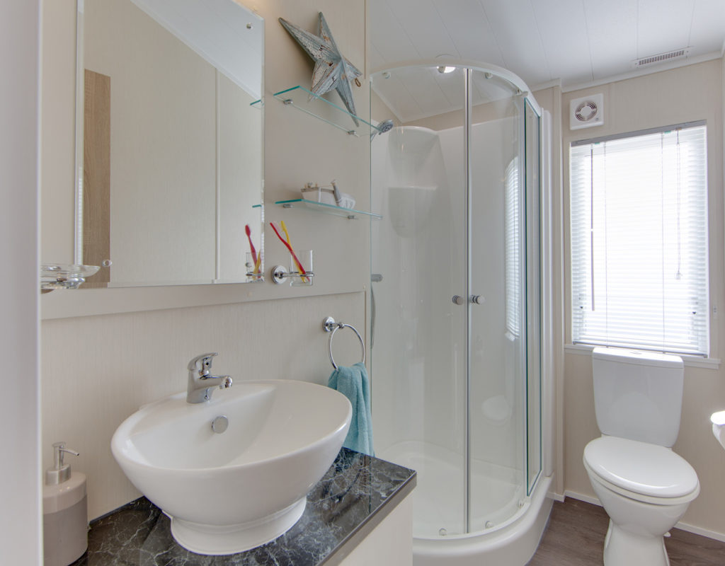 The Rutherford - Willerby Holiday Homes Bathroom