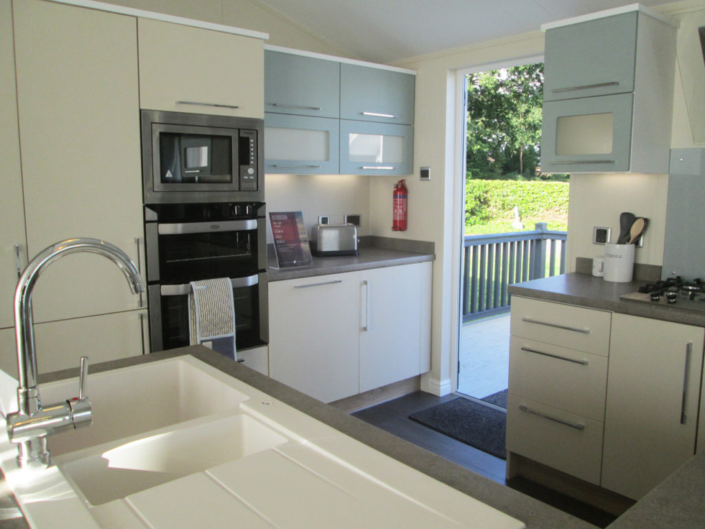 Willerby Rutherford kitchen-01