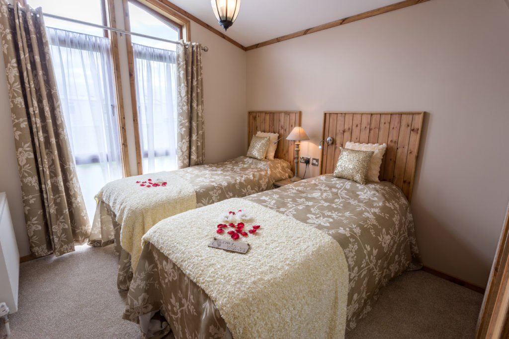 Tingdene Warreners twin bedroom