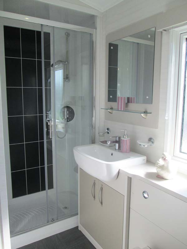 Carnaby Stamford Lodge Bathroom Main