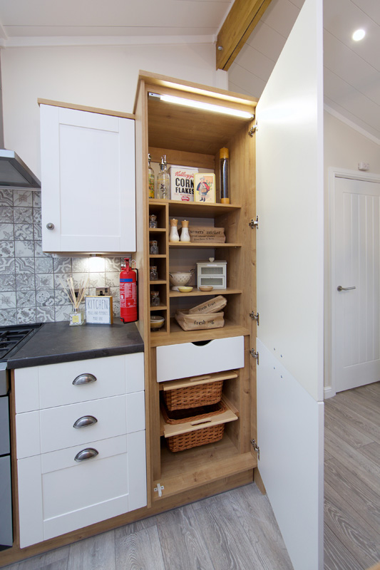 Willerby Mulberry Kitchen Storage