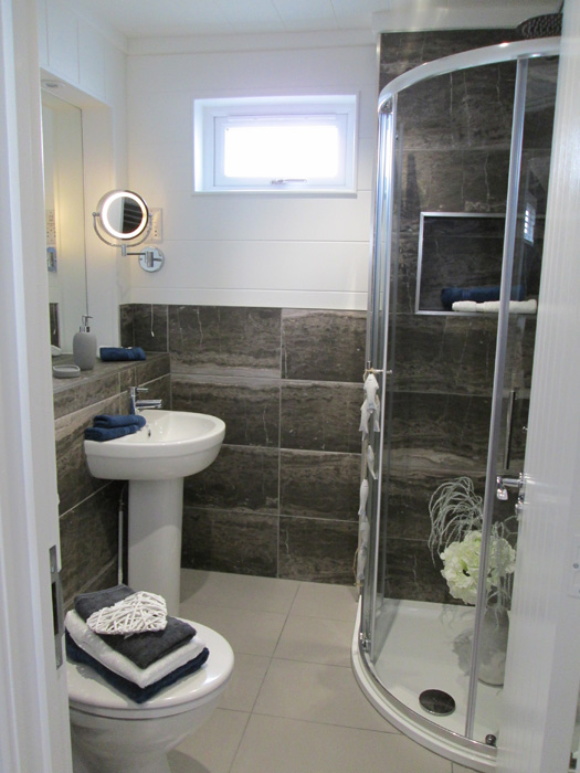 Tingdene Country Lodge En Suite Bathroom