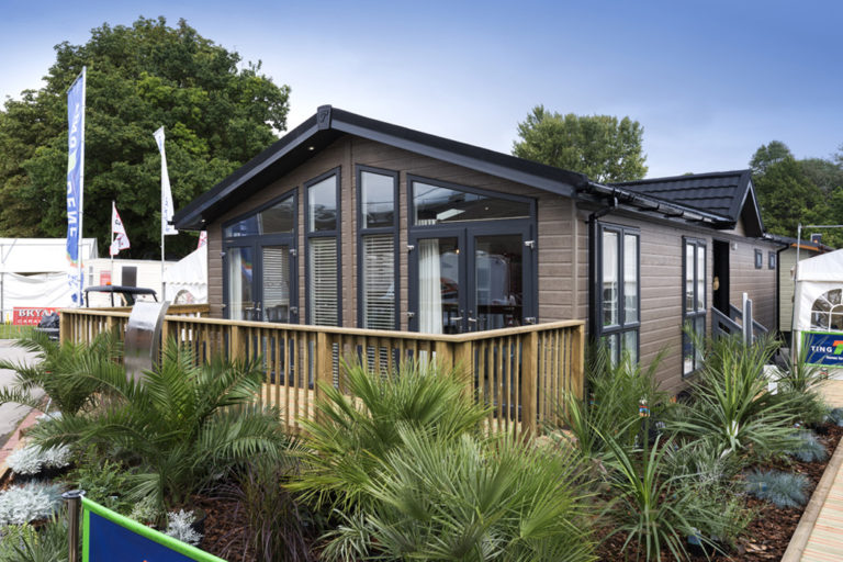 Tingdene Country Lodge Ext Main