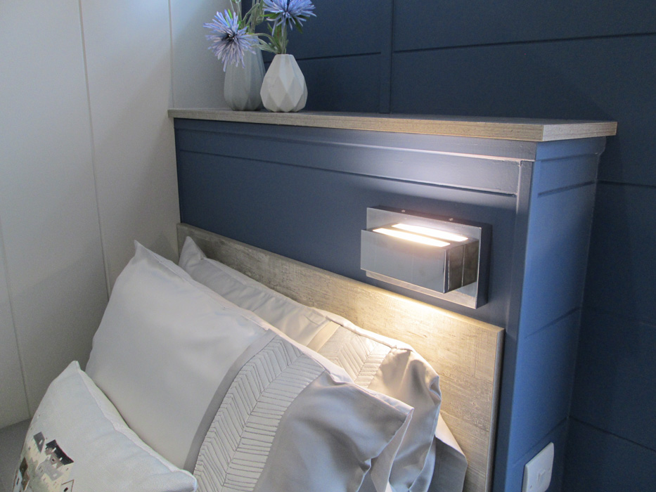 Tingdene Country Lodge Twin Bed Reading Light Detail