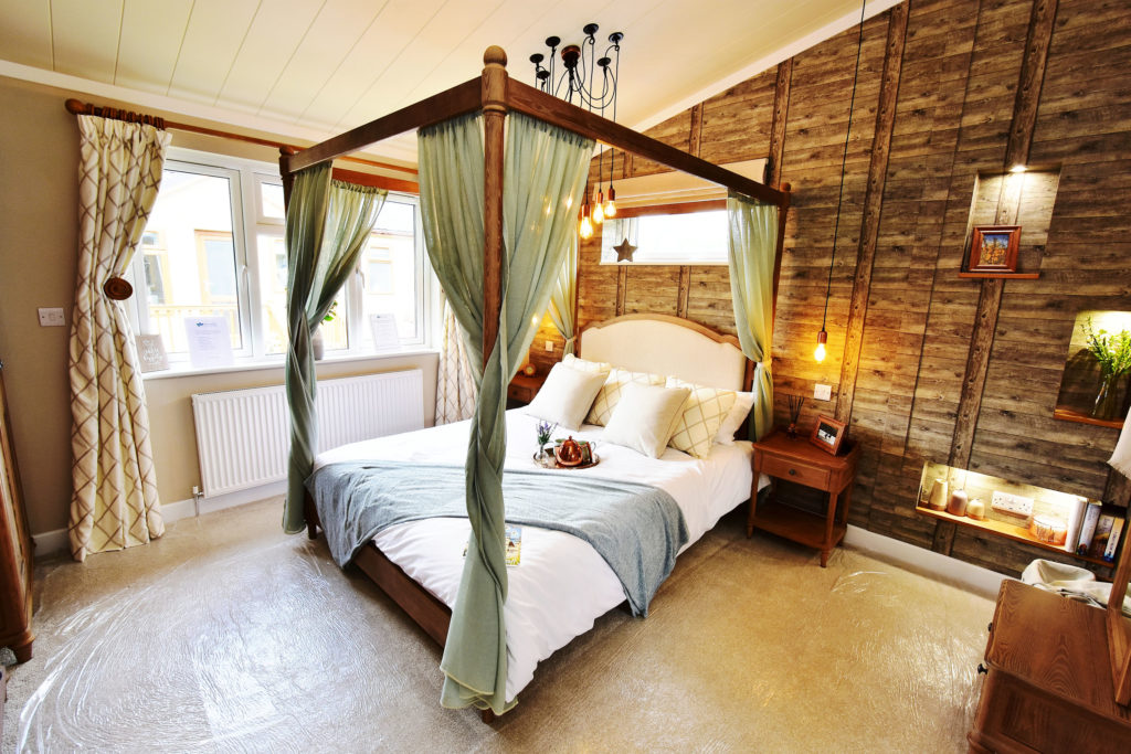 Wessex Spinney four poster bed