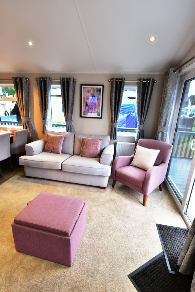 2019 Willerby Waverley lodge lounge