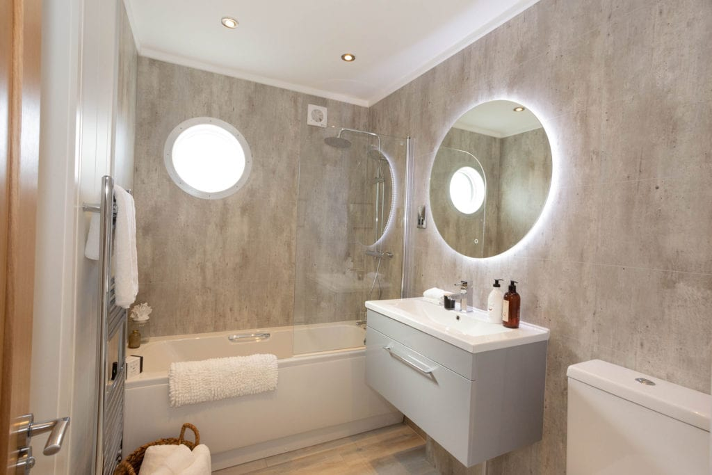 2020 Prestige Samphire lodge bathroom