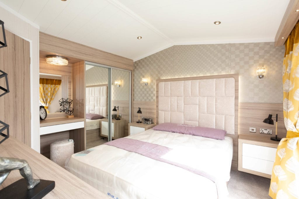 2020 Swift Champagne holiday lodge master bedroom