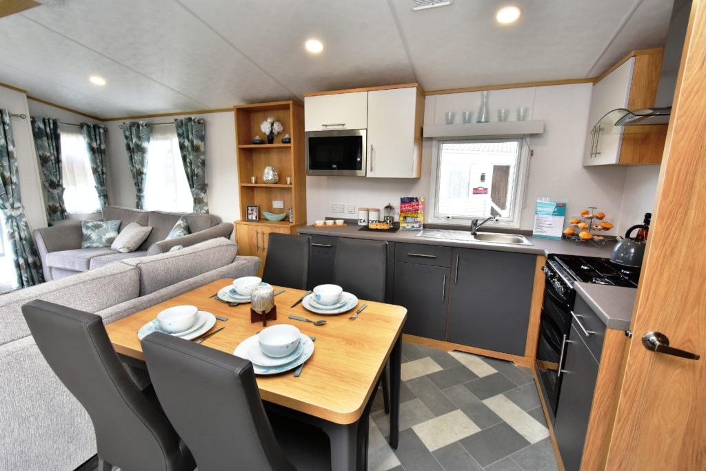 2020 Carnaby Silverdale dining/kitchen
