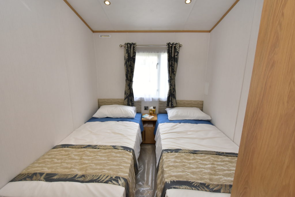2020 Carnaby Chantry lodge twin bedroom