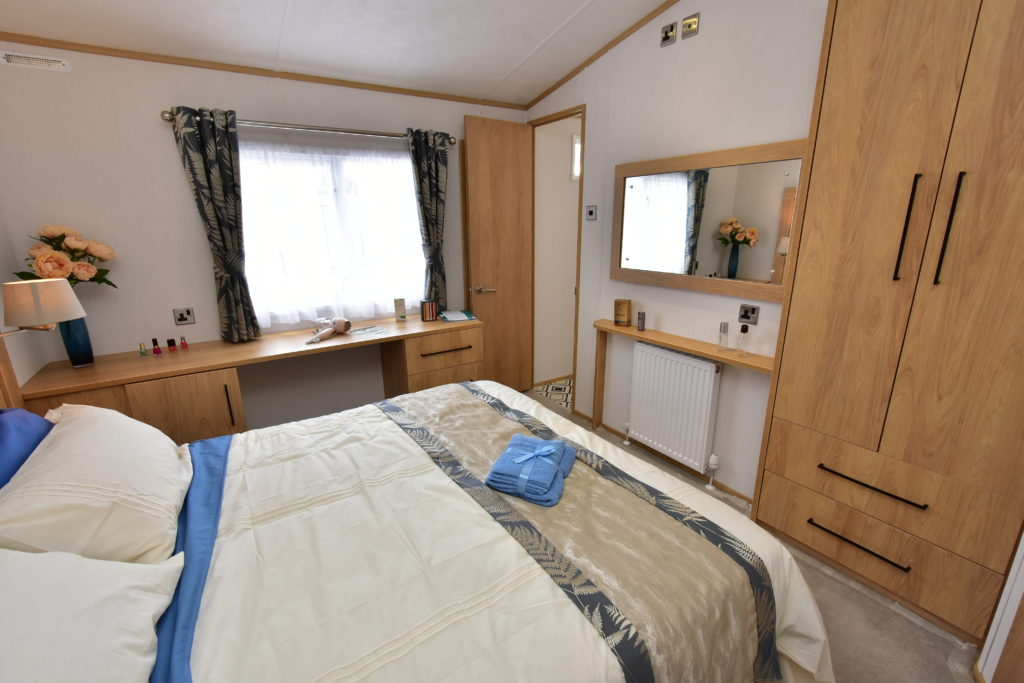 2020 Carnaby Chantry lodge master bedroom