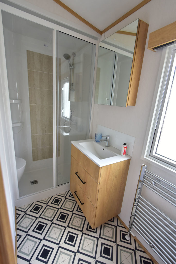 2020 Carnaby Chantry lodge ensuite