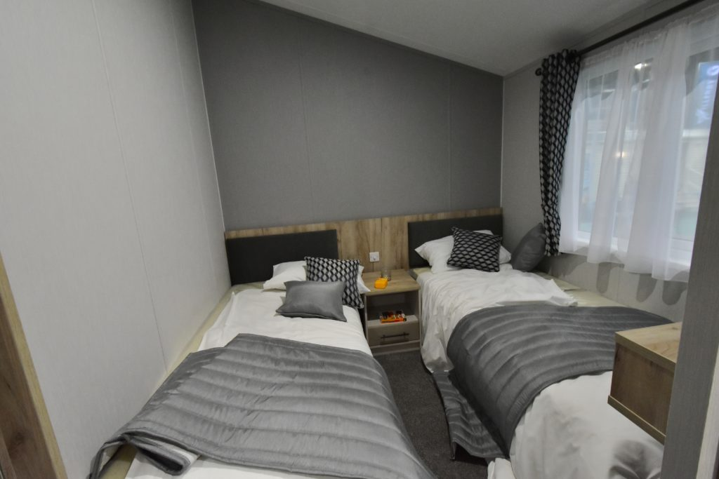 2021 Willerby Mapleton twin bedroom