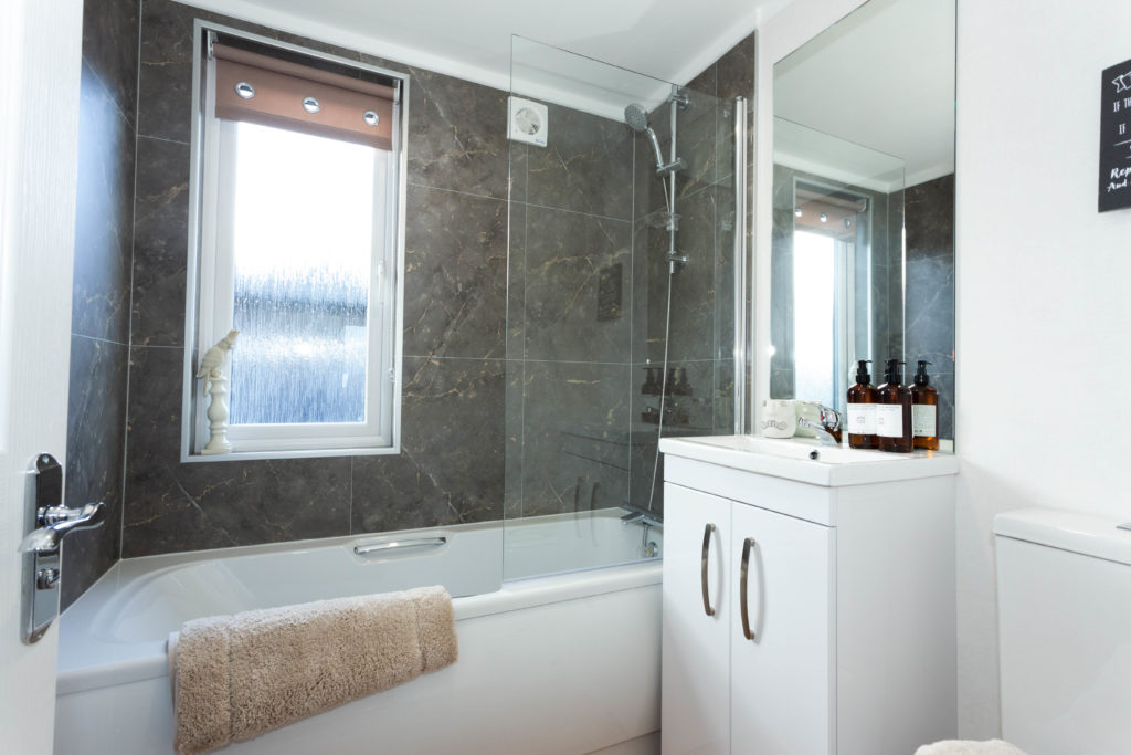 2021 Prestige Majestic park home bathroom